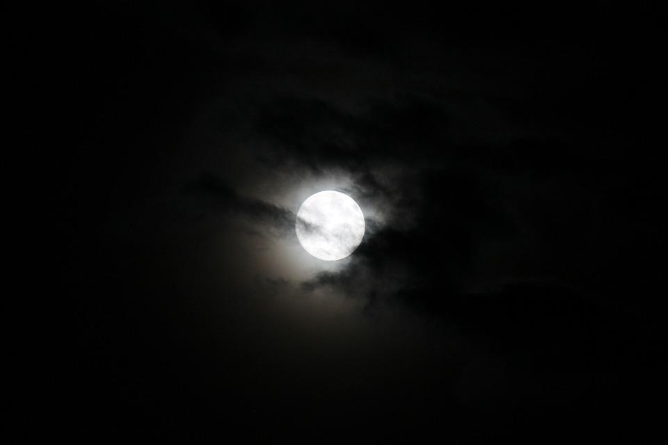 moon-449314_960_720.jpg