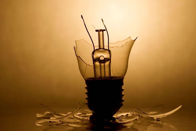 broken-lamp-4-5454.jpg