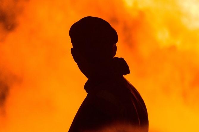 Silhouette-Man-Hot-Flames-Shadow-Guy-Fire-2618967